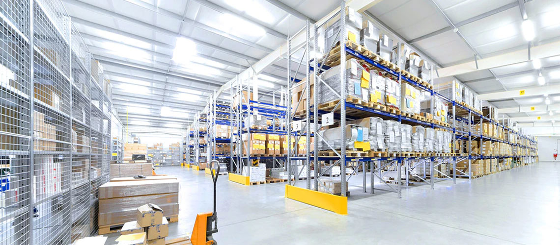How is the Indian warehousing scenario changing to meet the challenges in the future